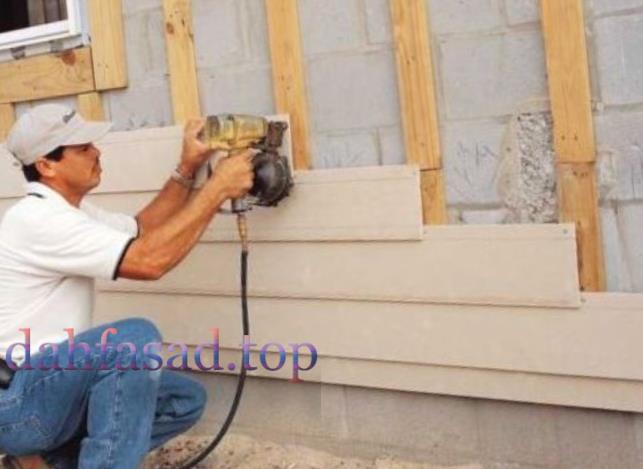 Як обшити будинок сайдингом?